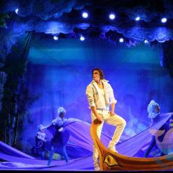 вечеринка Бродвейский мюзикл в отеле, доме отдыха