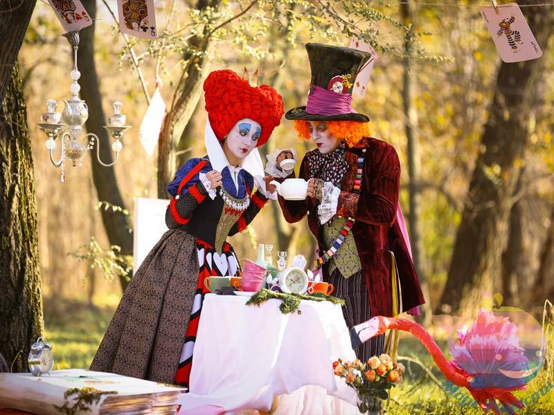 аниматор Алиса и Шляпник на рекламную акцию